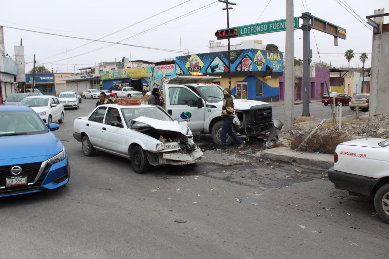 Fuerte accidente en la zona centro en Monclova
