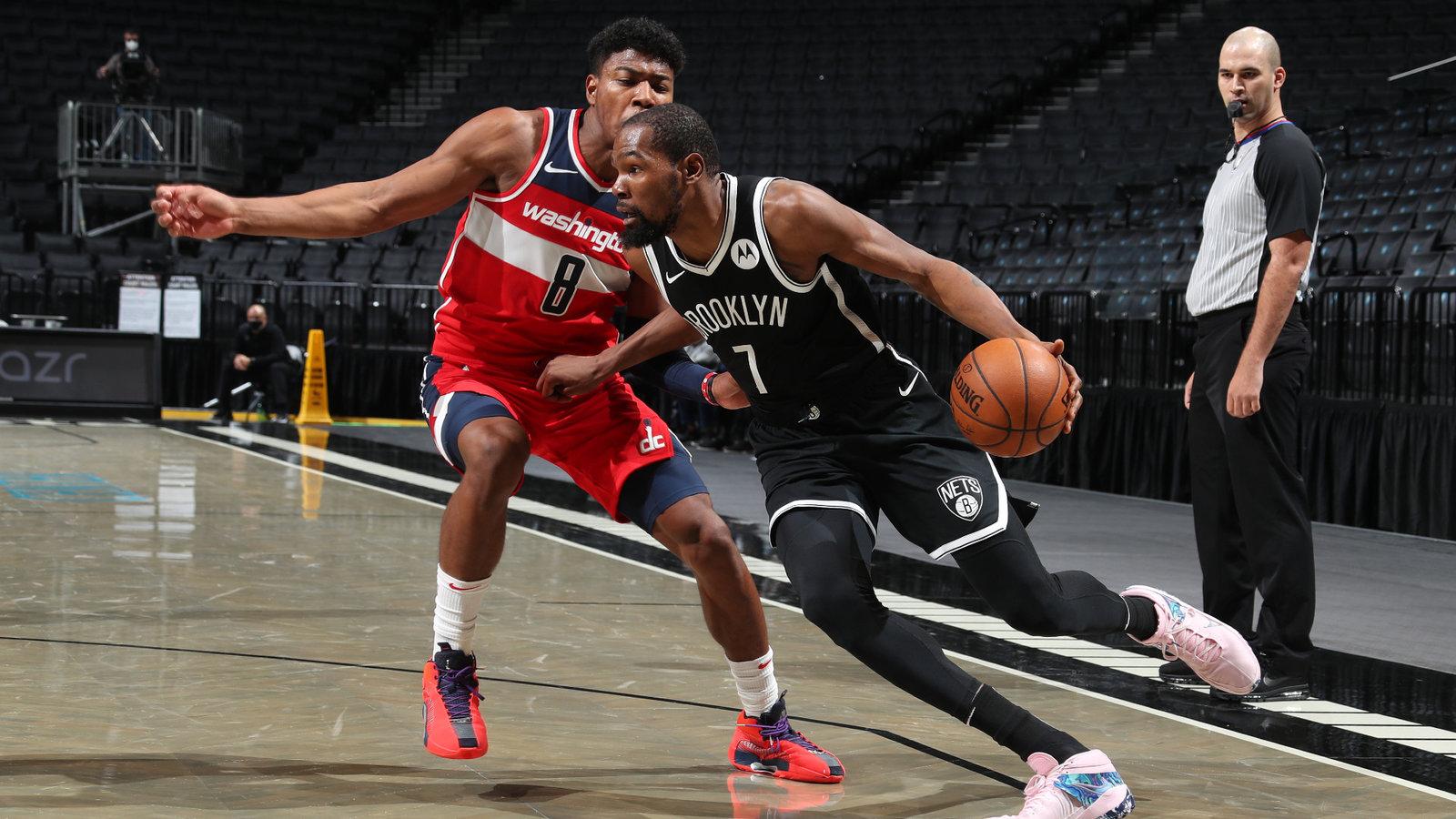 Durant vuelve a entrenar con Nets y espera jugar frente a Warriors