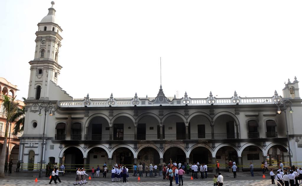 Policías se atrincheran en Palacio Municipal de Orizaba, Veracruz
