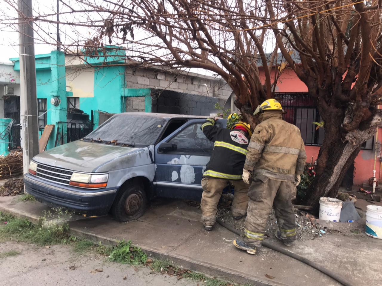 Se incendia vagoneta en Monclova