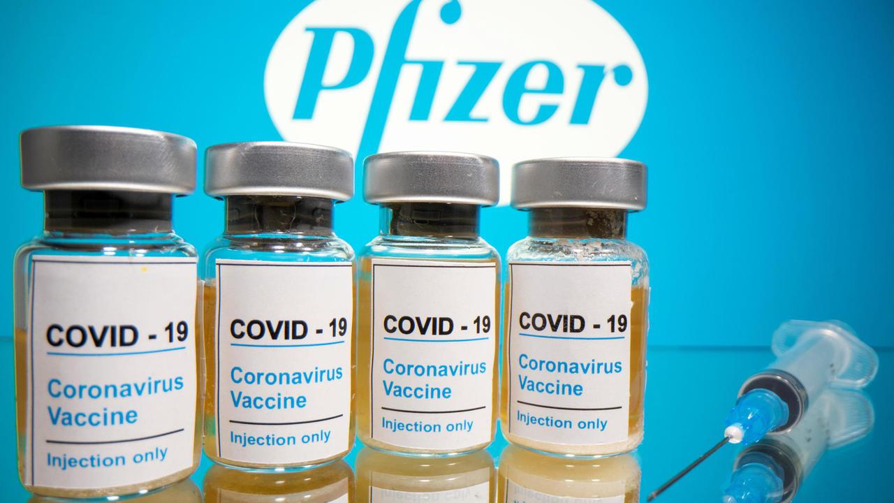 Arriba a México lote de vacunas contra COVID-19 de Pfizer