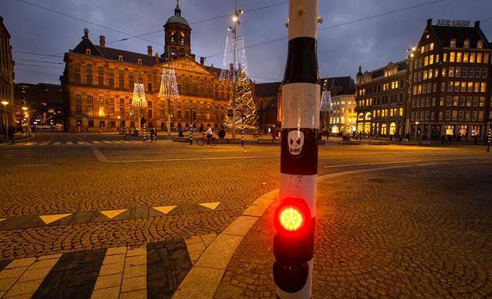 El Gobierno neerlandés logra mantener el toque de queda hasta el viernes