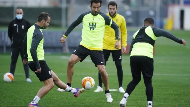 Germán y Montoro entrenan con el grupo en la última sesión antes del partido