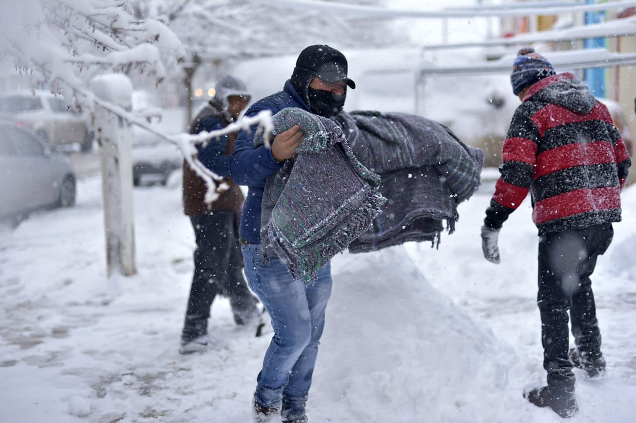 Se cubren de nieve cinco municipios del norte