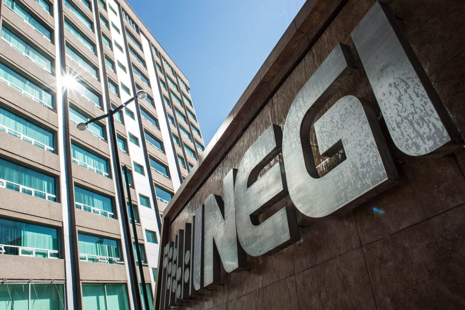 Inegi: Economía cayó 4.4% en enero