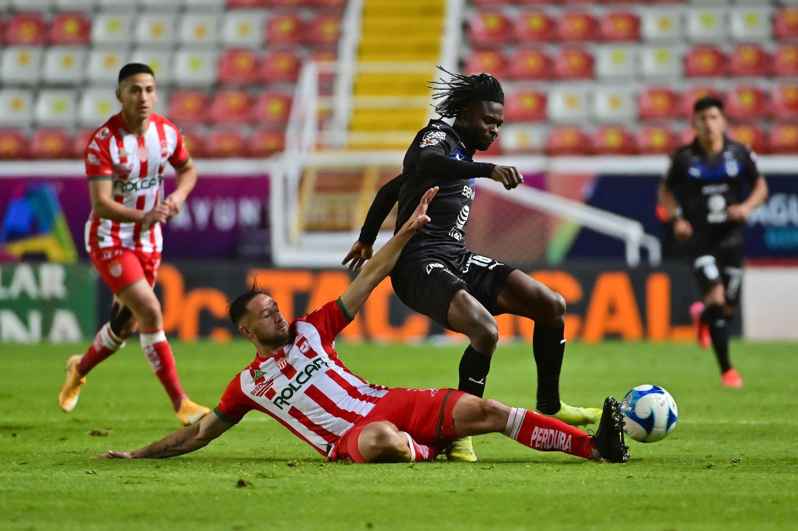 Monterrey incapaz de contener a los rayos