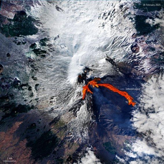 Así se vieron desde el espacio los ríos de lava del volcán Etna