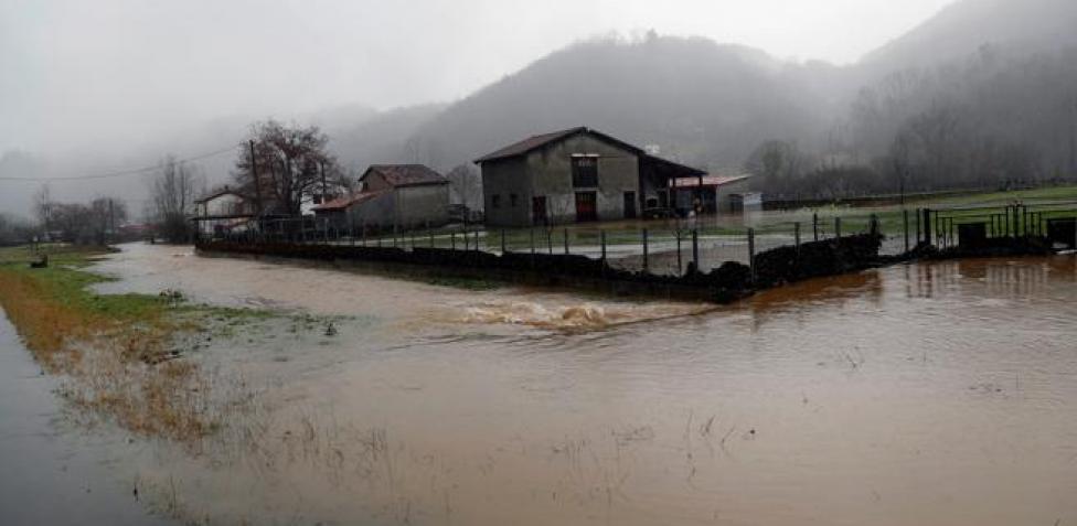 El temporal causa inundaciones, cortes de tren y carreteras en Portugal