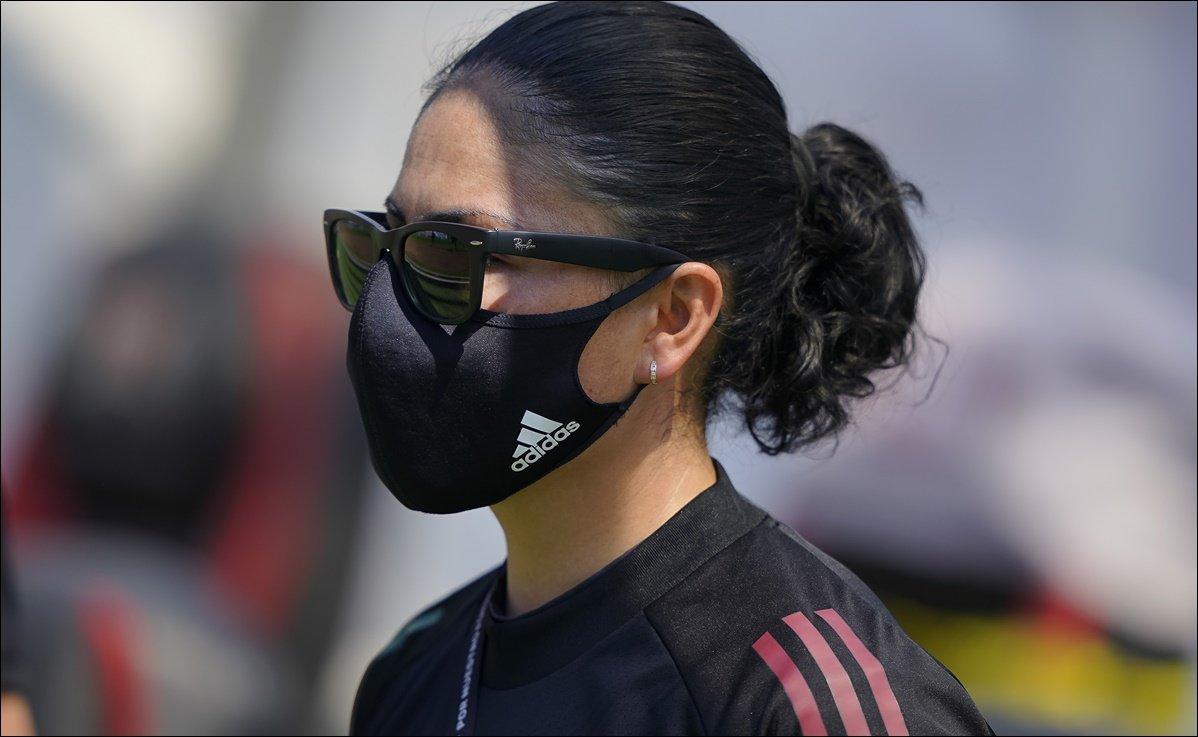 Mónica Vergara se va 'muy contenta' tras debutar en la Selección