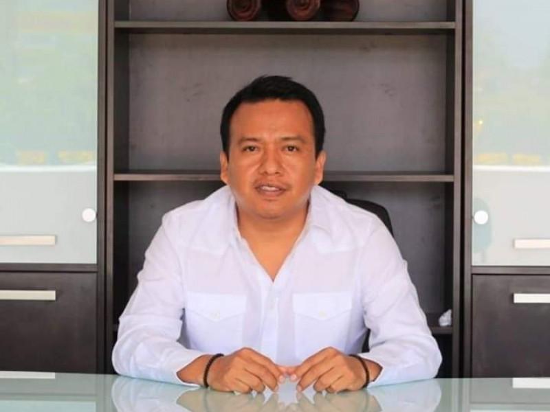 Alcalde de Chiapas entrega obra de agua de 18mdp en mal estado