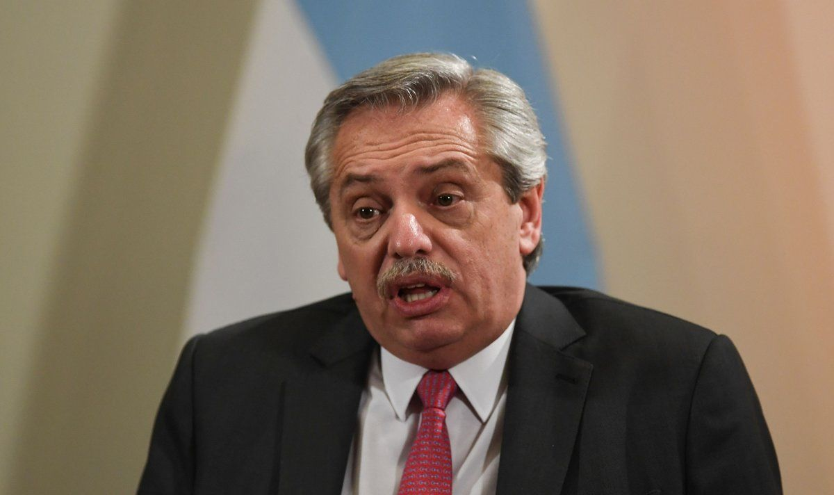 Fernández sale en defensa de Lula tras intentos de acercamiento a Bolsonaro