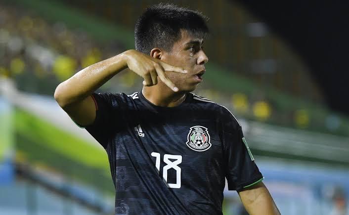 México y Estados Unidos se pelean por Efraín Álvarez