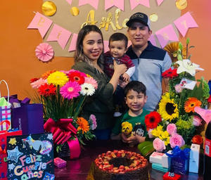 Ashley celebra su cumpleaños en Monclova
