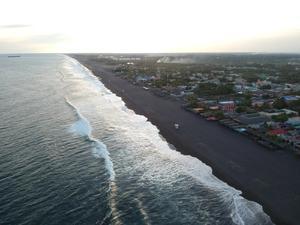 Guatemala emite alerta ante tsunami que podría afectar su costa al Pacífico