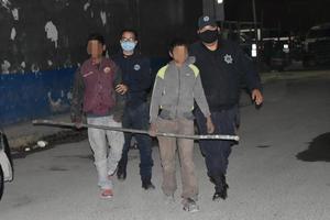 Atrapan a dos menores que pretendían robar negocio en Monclova