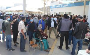 Vacunación de adultos mayores inicia en Lerdo, Durango