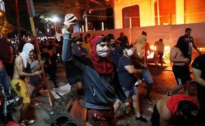 Con violencia piden la salida del presidente de Paraguay