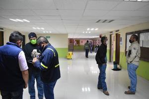 Adelanta AHMSA salida de obreros en resguardo
