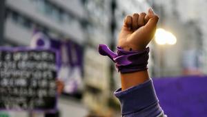 Comienza la marcha del 8M en México con miles de mujeres y ligeros altercados