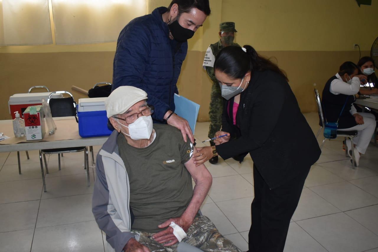 Finalmente llegaran 3,500 vacunas para los adultos