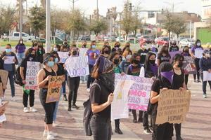 Feministas piden respeto y vida libre  de violencia en Monclova