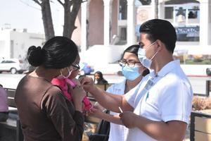 Llevan la vacuna de influenza hasta las calles de Monclova