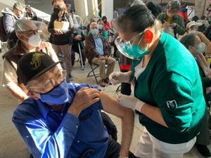 Inicia vacunación en municipios de Edomex en región de los volcanes