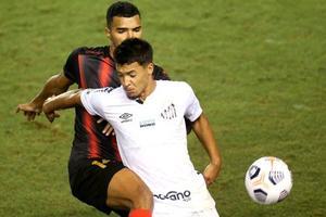 2-1. El Santos de Holan debuta con una victoria sobre el Lara pese a bajas