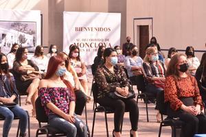 Realza Instituto Coahuilense de las Mujeres graduación de preparatoria abierta