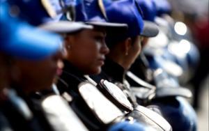 'En Neza, 4 de 10 mujeres policías víctimas de violencia de género'
