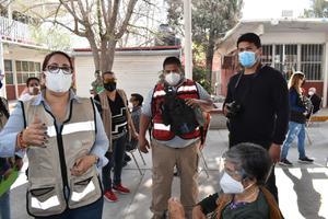 Amenaza Claudia Garza con parar la vacunación contra COVID-19 en Castaños