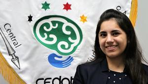 Dafne Almazán, la niña genio mexicana, explora ahora su faceta de cantante