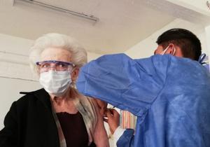 Aguascalientes da transporte gratis a abuelitos vacunados