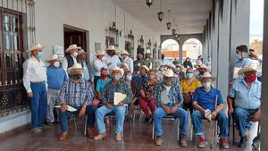 Ayudan a productores con sorgo forrajero subsidiado