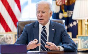 Biden girará orden de vacunar a todos los adultos en mayo