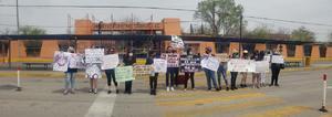 Protestan en el ICC contra presuntos acosos sexuales