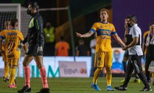 Carlos Salcedo explota contra el arbitraje