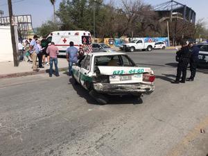 Accidente deja daños y un lesionado en Avenida Deportivo en Monclova