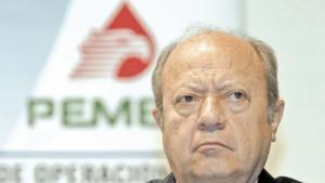 Renuncia Romero Deschamps y deja de ser trabajador activo de Pemex
