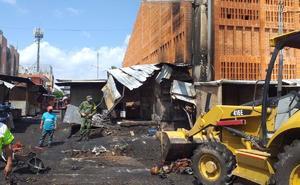 Incendio afecta cerca de 60 negocios en mercado de Juchitán