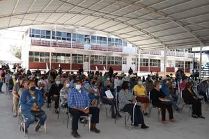 Les pagan 2 bimestres a adultos de 68 y Más en Castaños