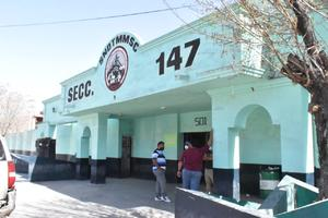 Preparan salida de obreros de AHMSA mayores de 60 años