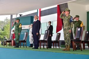 Militares y civiles reciben condecoraciones por su labor en pandemia