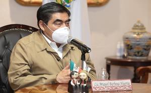 Puebla va contra 'mafia' de espectaculares: Barbosa