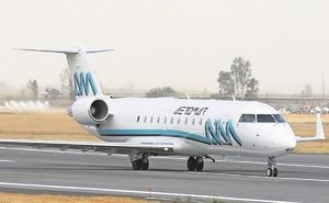 Sobrecargos de Aeromar aceptan convenio de pago de adeudos