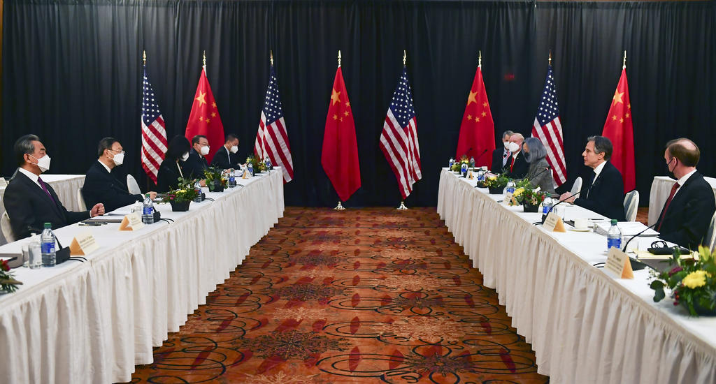 Gobierno de Biden protagoniza un primer 'agrio' encuentro con China