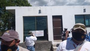 Clausuran asentamiento irregular en zona de manglar en Yucatán