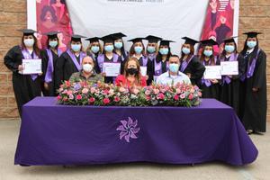 Se gradúan de preparatoria 26 mujeres emprendedoras en Acuña