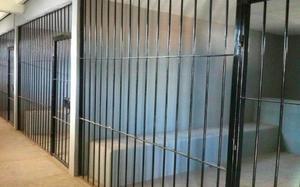 Detecta CDHEC condiciones insalubres en celdas de Coahuila