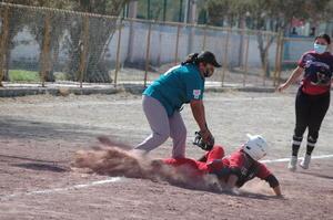 Águilas gana duelo softbolero